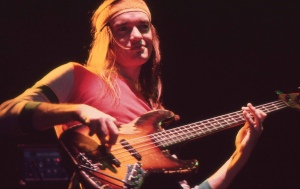 Jaco_Pastorius_with_bass_1980